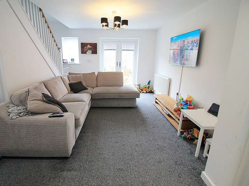 2 Bedrooms Semi Detached House for sale in Page Lane, Halton View, Widnes WA8