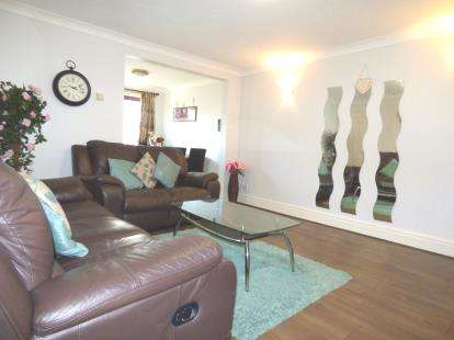 3 Bedrooms Semi Detached House for sale in Beamont Drive, Preston, Lancashire, ., PR1