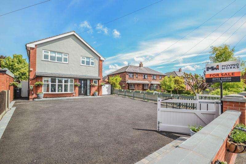 4 Bedrooms Detached House for sale in Liverpool Old Road, Walmer Bridge, Preston