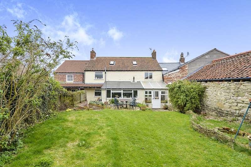 5 Bedrooms House for sale in Main Street, Kirby Misperton, Malton, North Yorkshire, YO17