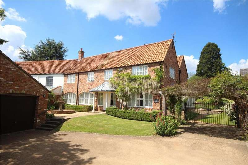 4 Bedrooms Semi Detached House for sale in Main Road, Wilby, Northamptonshire, NN8