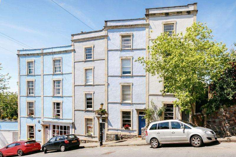5 Bedrooms Terraced House for sale in Ambra Vale, Cliftonwood