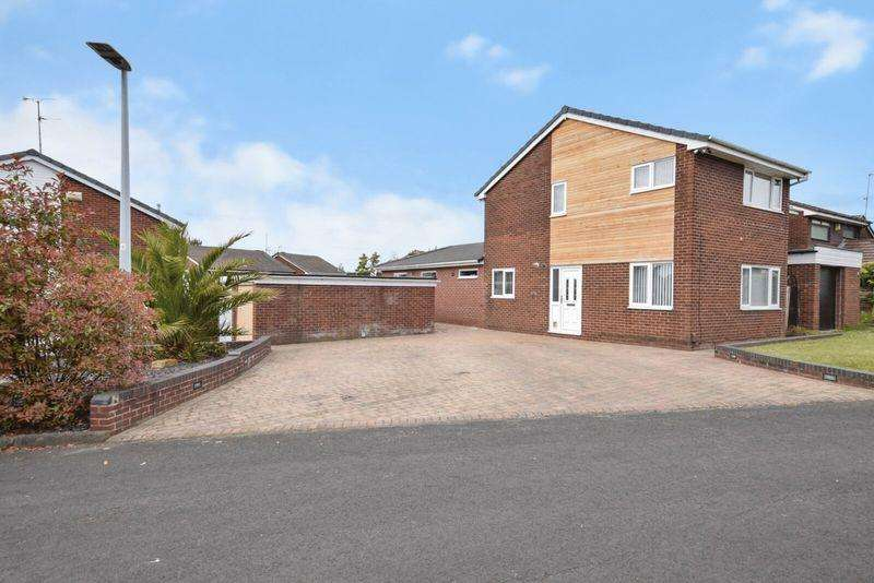 3 Bedrooms Detached House for sale in Martindale, Beechwood, Runcorn
