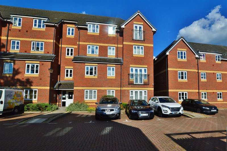 2 Bedrooms Flat for sale in Eaton Avenue, Slough