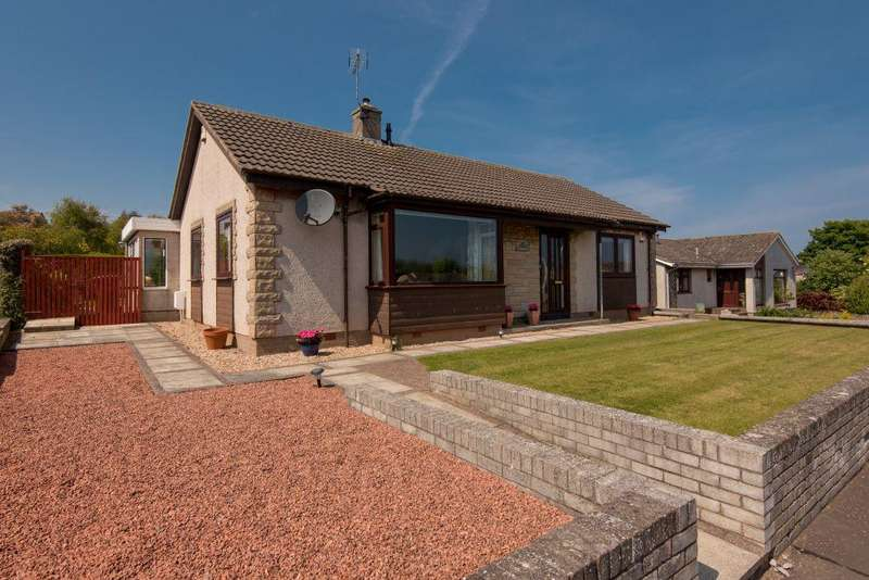 3 Bedrooms Bungalow for sale in 3 Lauderdale Crescent, Dunbar, East Lothian, EH42 1AN