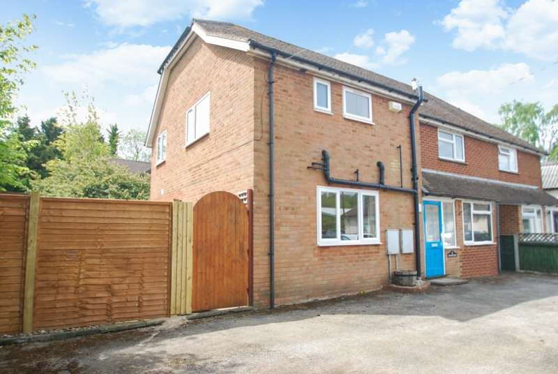 5 Bedrooms Semi Detached House for sale in ( off Hyde Heath Road ), Hyde Heath, HP6