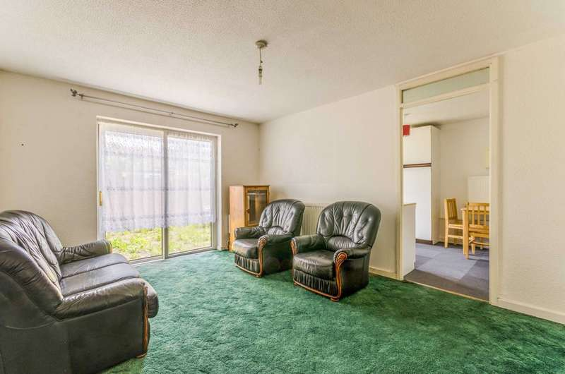 3 Bedrooms Bungalow for sale in Renfrew Close, Docklands, E6