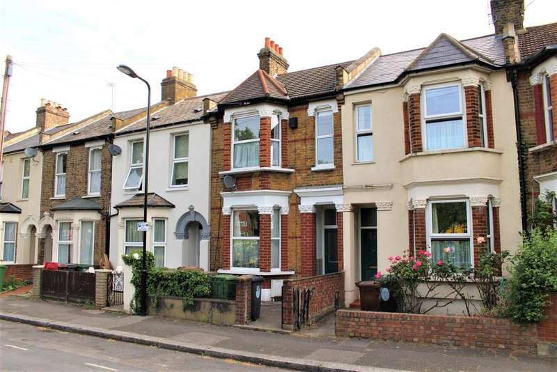 3 Bedrooms Terraced House for sale in Lincoln Street, London, E11