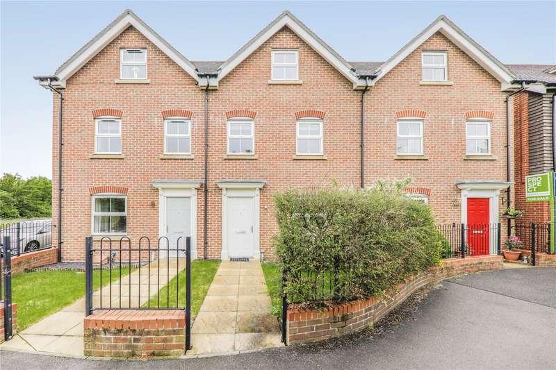 3 Bedrooms Town House for rent in Butler Drive, Bracknell, Berkshire, RG12