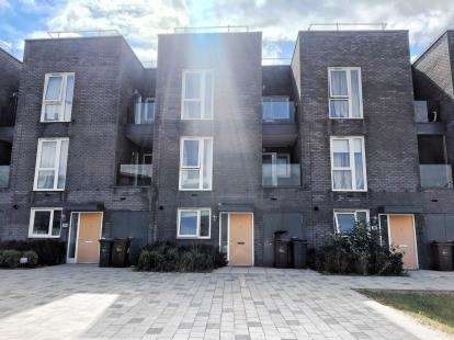 4 Bedrooms Terraced House for sale in Barking, Essex, United Kingdom