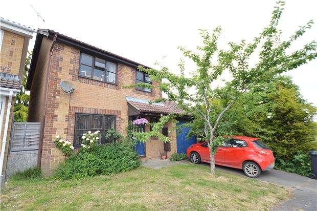 3 Bedrooms Detached House for sale in Inglestone Road, GL12 8PJ