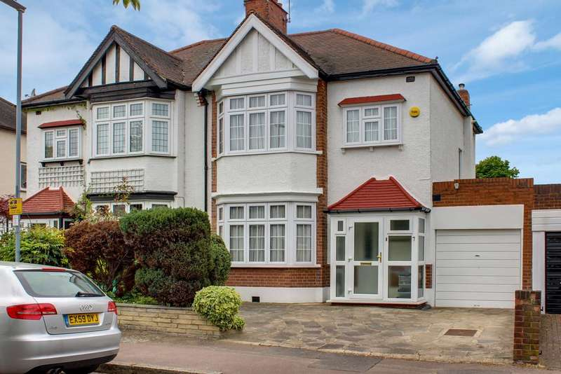 4 Bedrooms Semi Detached House for sale in Lancaster Avenue, South Woodford, London