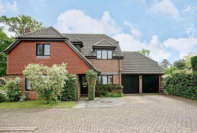 4 Bedrooms Detached House for sale in Manor Close, Brampton