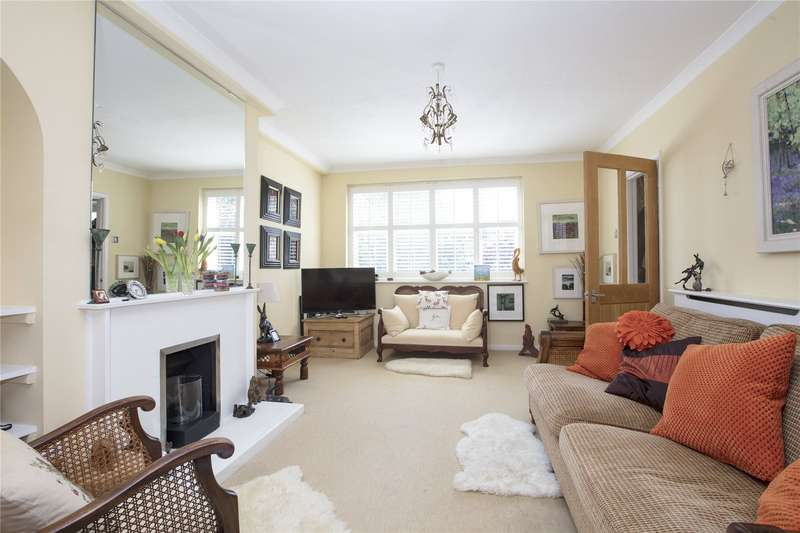 3 Bedrooms Maisonette Flat for sale in Croxted Road, London, SE21