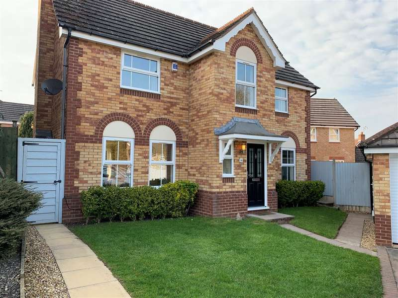4 Bedrooms Detached House for sale in Cole Drive, Castlefields, Stafford