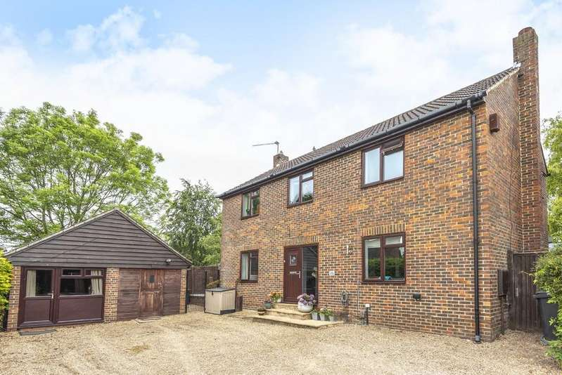 4 Bedrooms Detached House for sale in Ashbarn Crescent, Badger Farm, Winchester, SO22