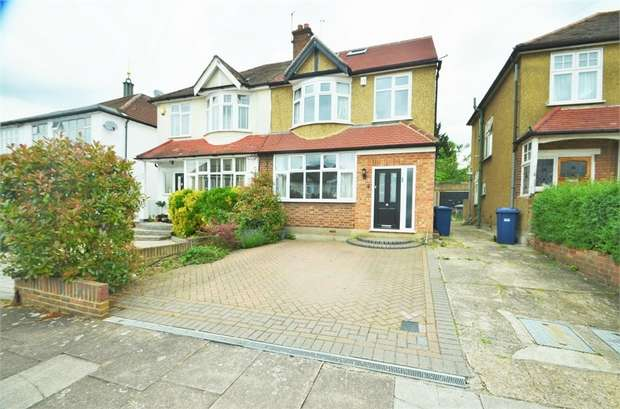 4 Bedrooms Semi Detached House for sale in Church Close, Edgware, HA8