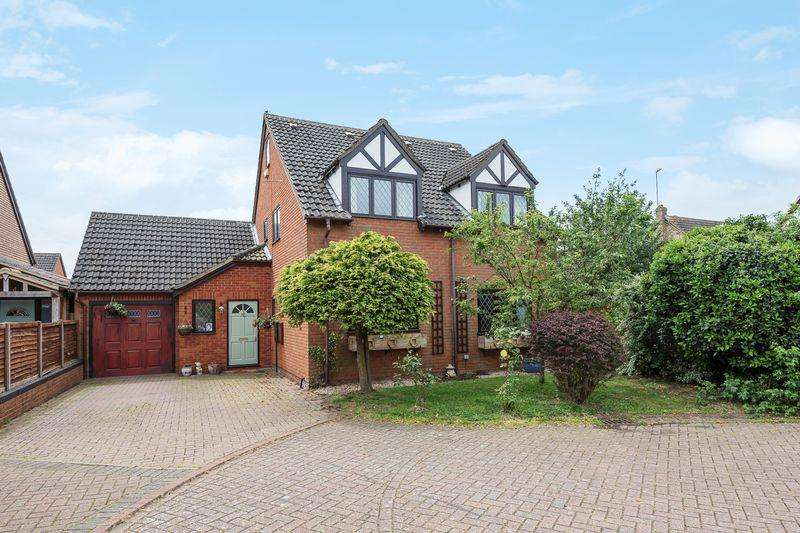 5 Bedrooms Detached House for sale in The Magpies, Maulden