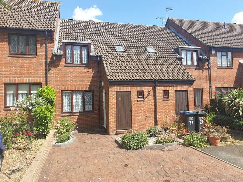 3 Bedrooms Terraced House for sale in Dalewood, Welwyn Garden City, AL7