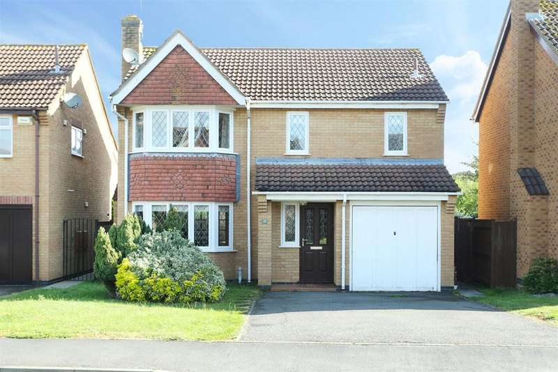 4 Bedrooms Detached House for sale in Chatsworth Drive, Market Harborough