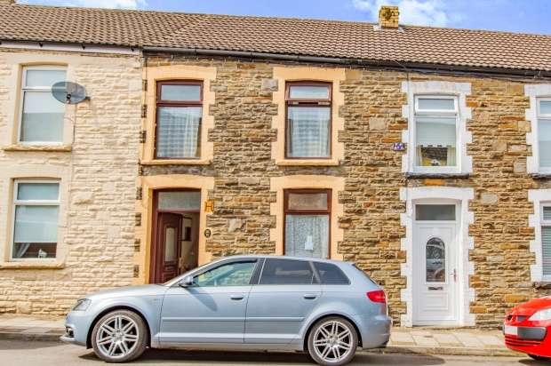 3 Bedrooms Terraced House for sale in Thomas St, Bargoed, Mid Glamorgan, CF81 8JH