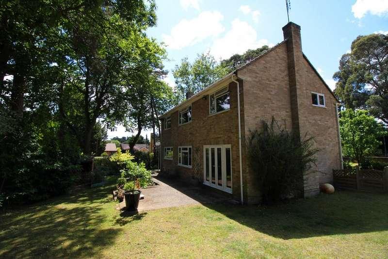 4 Bedrooms Detached House for rent in Iberian Way, Camberley
