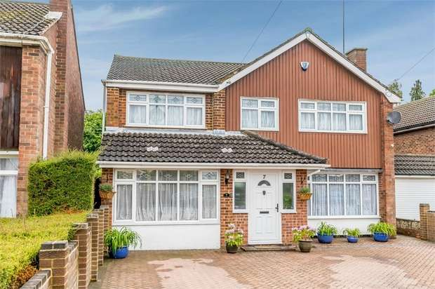 3 Bedrooms Detached House for sale in Seabrook, Luton, Bedfordshire