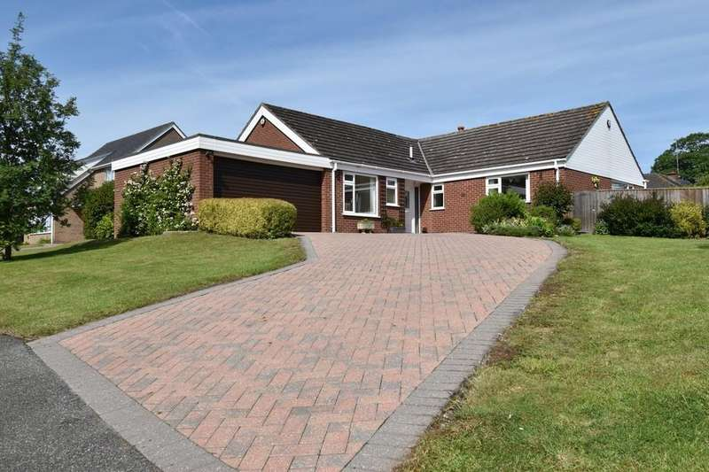 3 Bedrooms Detached Bungalow for sale in 39 St. Marys Park, Louth LN11 0EF