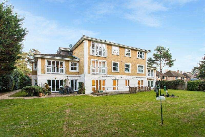2 Bedrooms Apartment Flat for sale in Sovereign Beeches, Green Lane, Farnham Common Bucks SL2