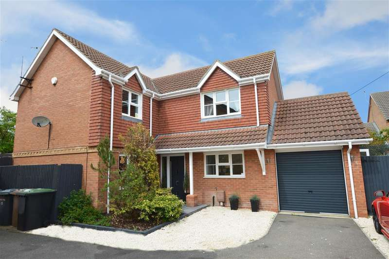 4 Bedrooms Detached House for sale in 17 Willow Close, Ruskington, Sleaford