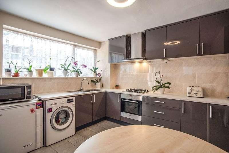 4 Bedrooms Property for sale in Melthorpe Gardens, London, SE3