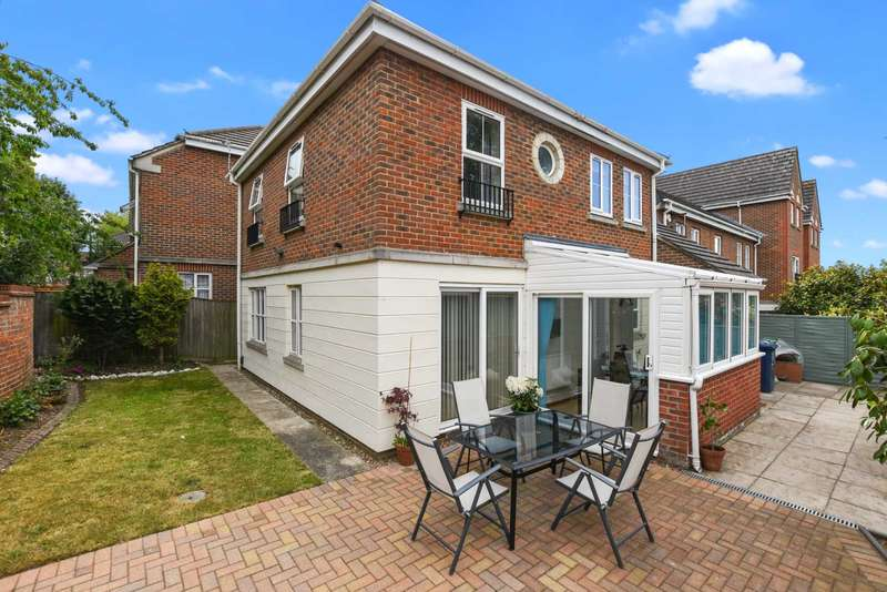 4 Bedrooms Detached House for sale in Don Bosco Close, Oxford