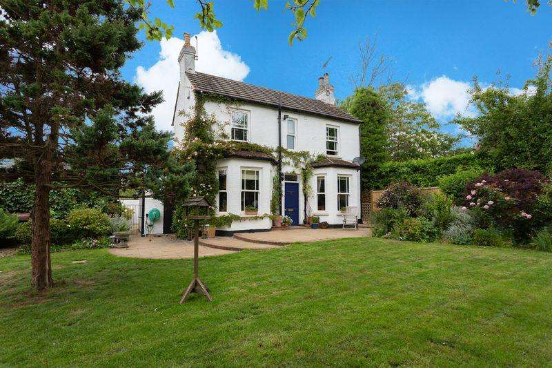 3 Bedrooms House for sale in Mount Farm Cottage, Crispin Way