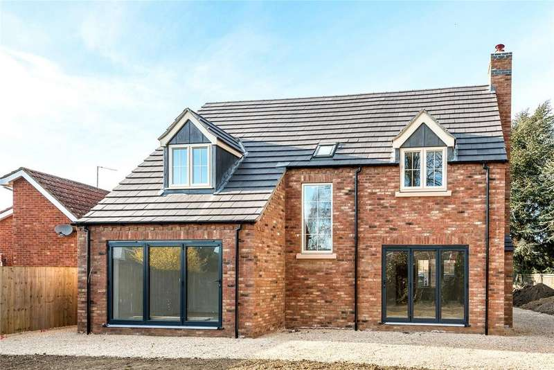 4 Bedrooms Detached House for sale in Hervey Road, Sleaford, NG34