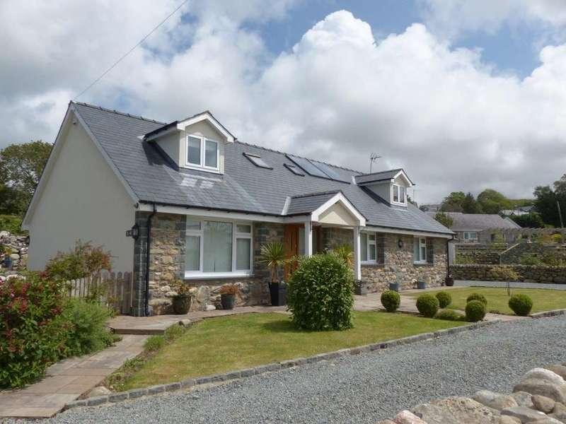 4 Bedrooms Detached House for sale in Ti- Ni, Dyffryn Ardudwy LL44 2BL