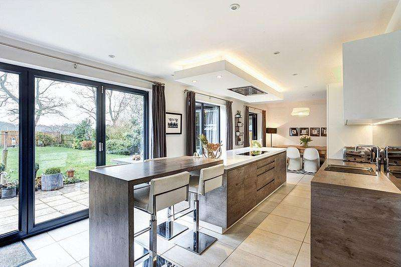 4 Bedrooms Detached House for sale in Blackfirs Lane, Congleton
