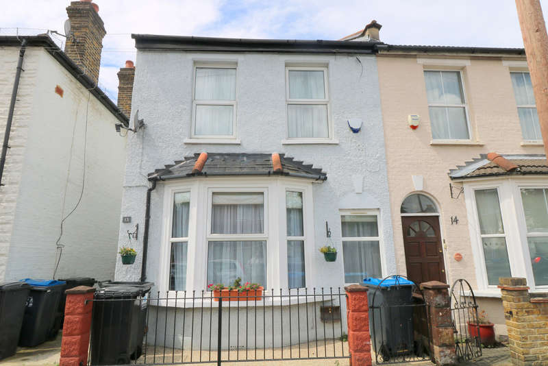 4 Bedrooms Semi Detached House for sale in Sylverdale Road, Croydon