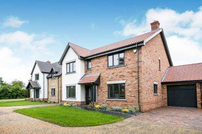 5 Bedrooms Detached House for sale in Clophill Road, Maulden, Beds, Bedfordshire