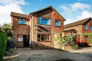 5 Bedrooms Detached House for sale in The Hawthorns, Broad Oak, Rye, East Sussex