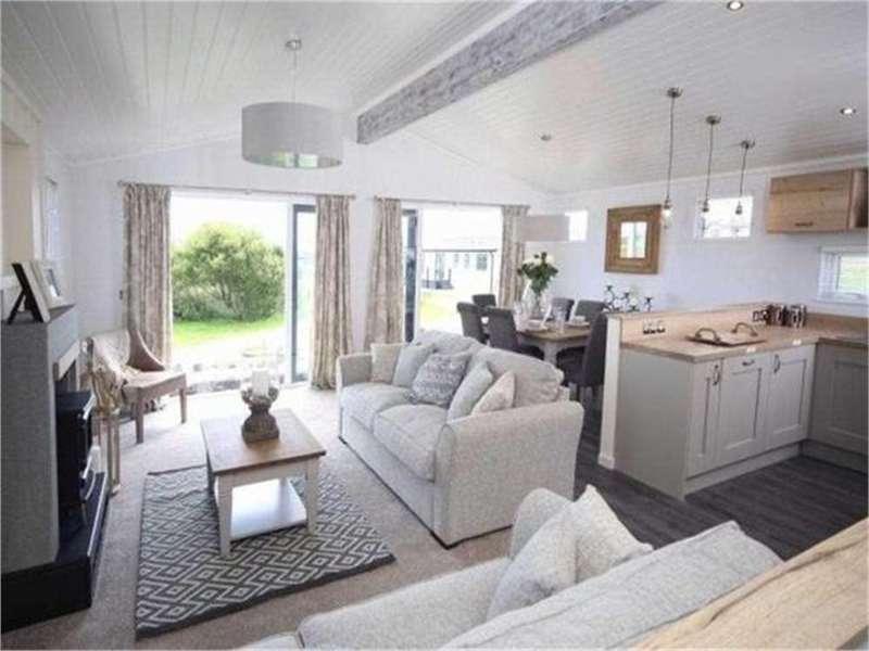 3 Bedrooms Park Home Mobile Home for sale in Aspire Muskoka Lodge, White Cross Bay Holiday Park, Troutbeck Bridge, LA23