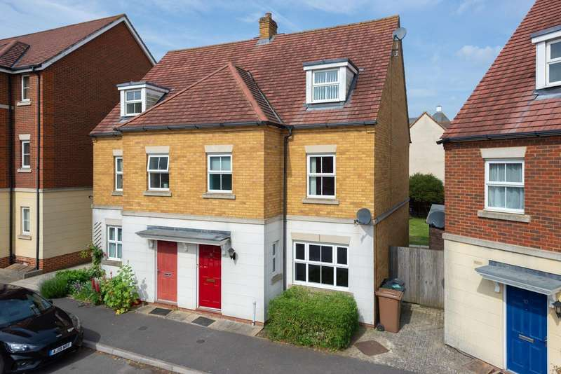 4 Bedrooms Town House for sale in Brigadier Gardens, Repton Park, Ashford, TN23