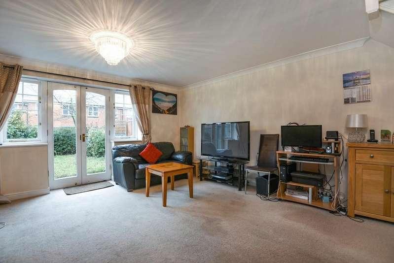 3 Bedrooms Terraced House for sale in Elizabeth Fry Place London SE18