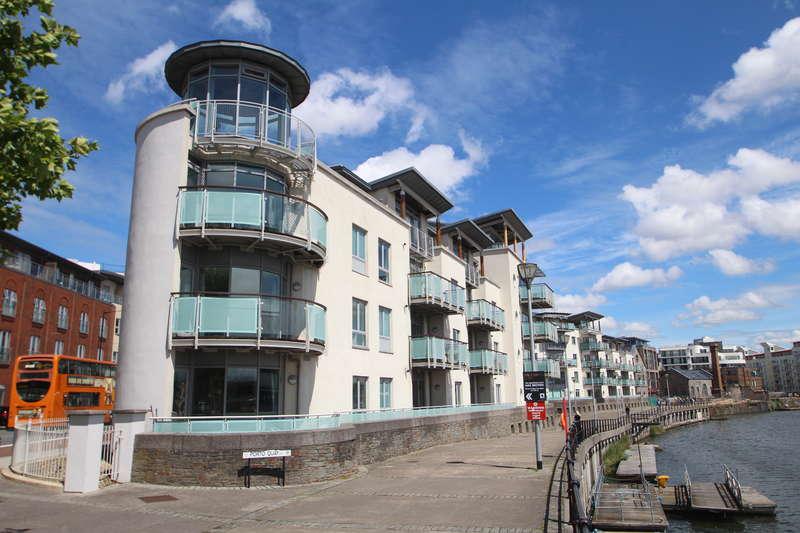 2 Bedrooms Flat for sale in Capricorn Place, Harbourside, Bristol BS8 4UA