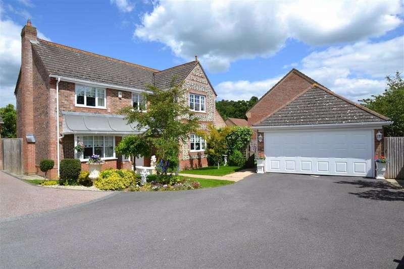 3 Bedrooms Detached House for sale in Laud Close, Newbury, Berkshire, RG14