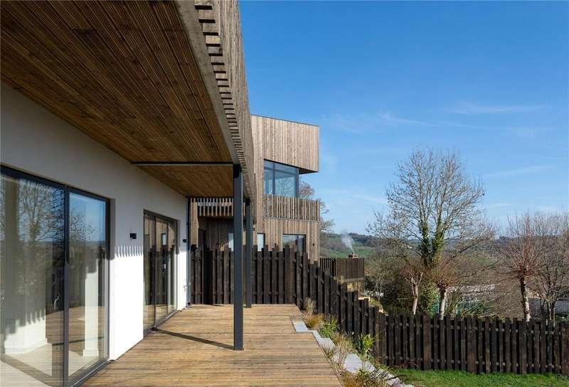 4 Bedrooms House for sale in Somer Fields, Lyme Regis, DT7