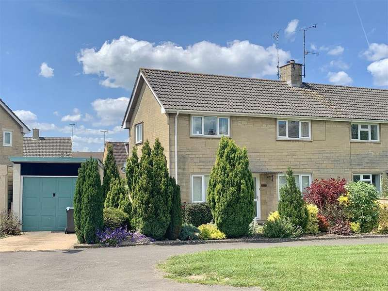 3 Bedrooms Semi Detached House for sale in Queen Elizabeth Road, Cirencester