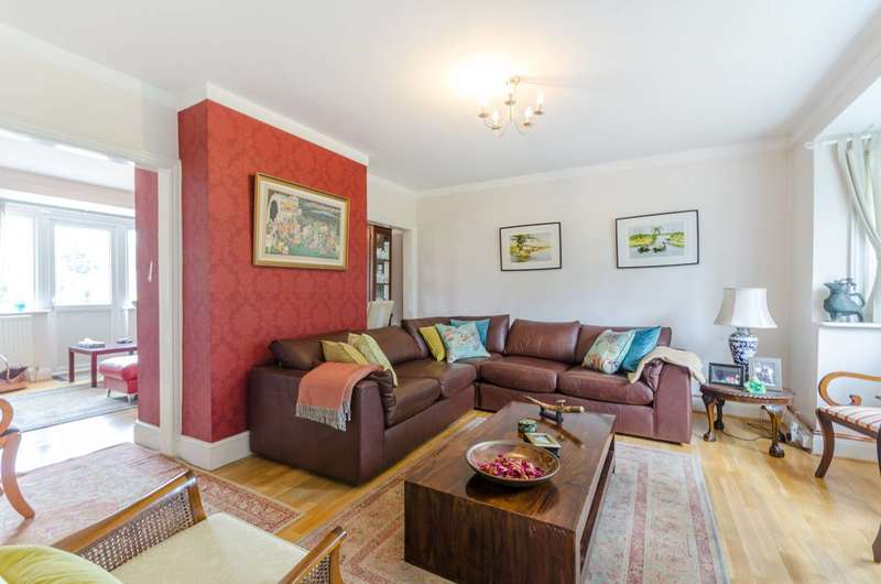 6 Bedrooms Detached House for sale in Kings Avenue, Carshalton Beeches, SM5