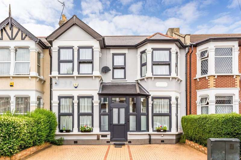 5 Bedrooms Terraced House for sale in Ingleby Road, Valentines Park, IG1