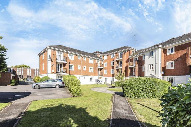 2 Bedrooms Flat for sale in Shelley Court, London Road, Reading, RG1