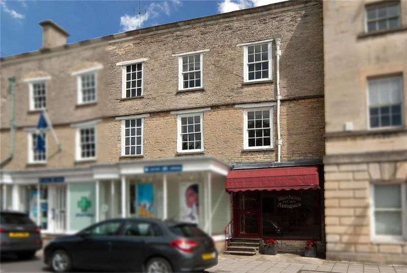 3 Bedrooms Terraced House for sale in Market Place, Fairford, GL7